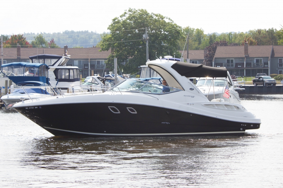 2009 Sea Ray 310/330 Sundancer - Fresh Water Only! Boats for